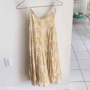 Dresses & Skirts - O'Neill gold and cream beach dress